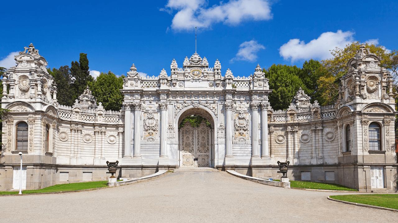 dolmapahce palace